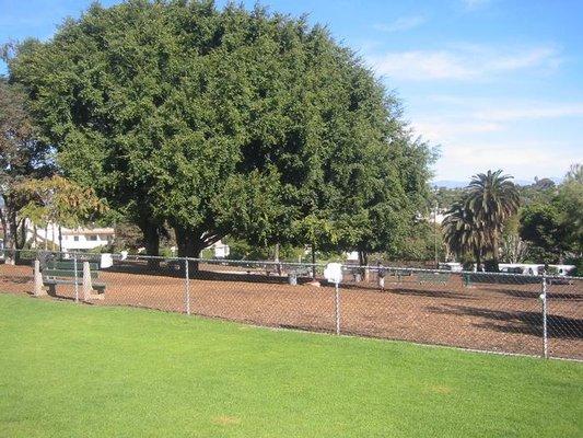 Herb Katz Dog Park At Joslyn Park